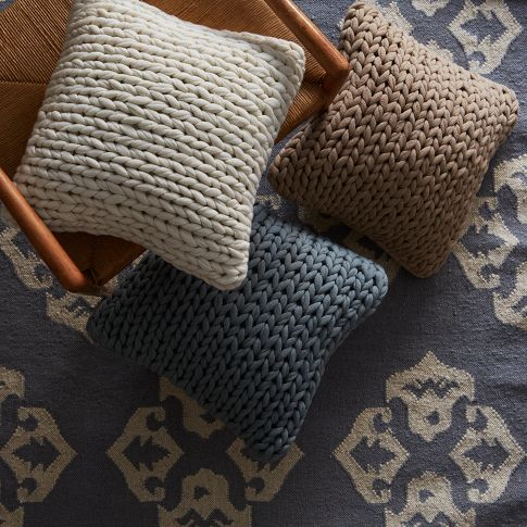knitwear in home decor, knitted furniture, knit pillow, knitwear decor